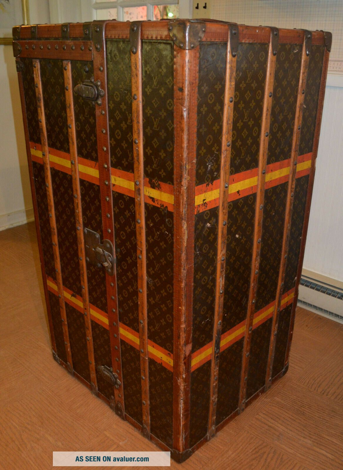Early 1900 ' s Louis Vuitton Upright Wardrobe Trunk