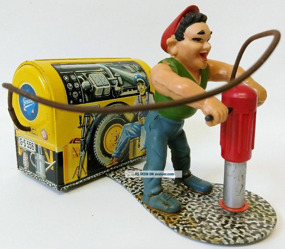 ULTRA RARE 1950 ' s GESCHA (Western Germany) Tin Wind - up COMPRESSOR MAN 556 Toy