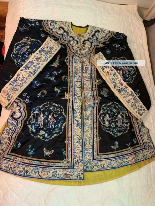 Incredible Antique Chinese Japanese Asian Silk Embroidered Robe Textile Kimono