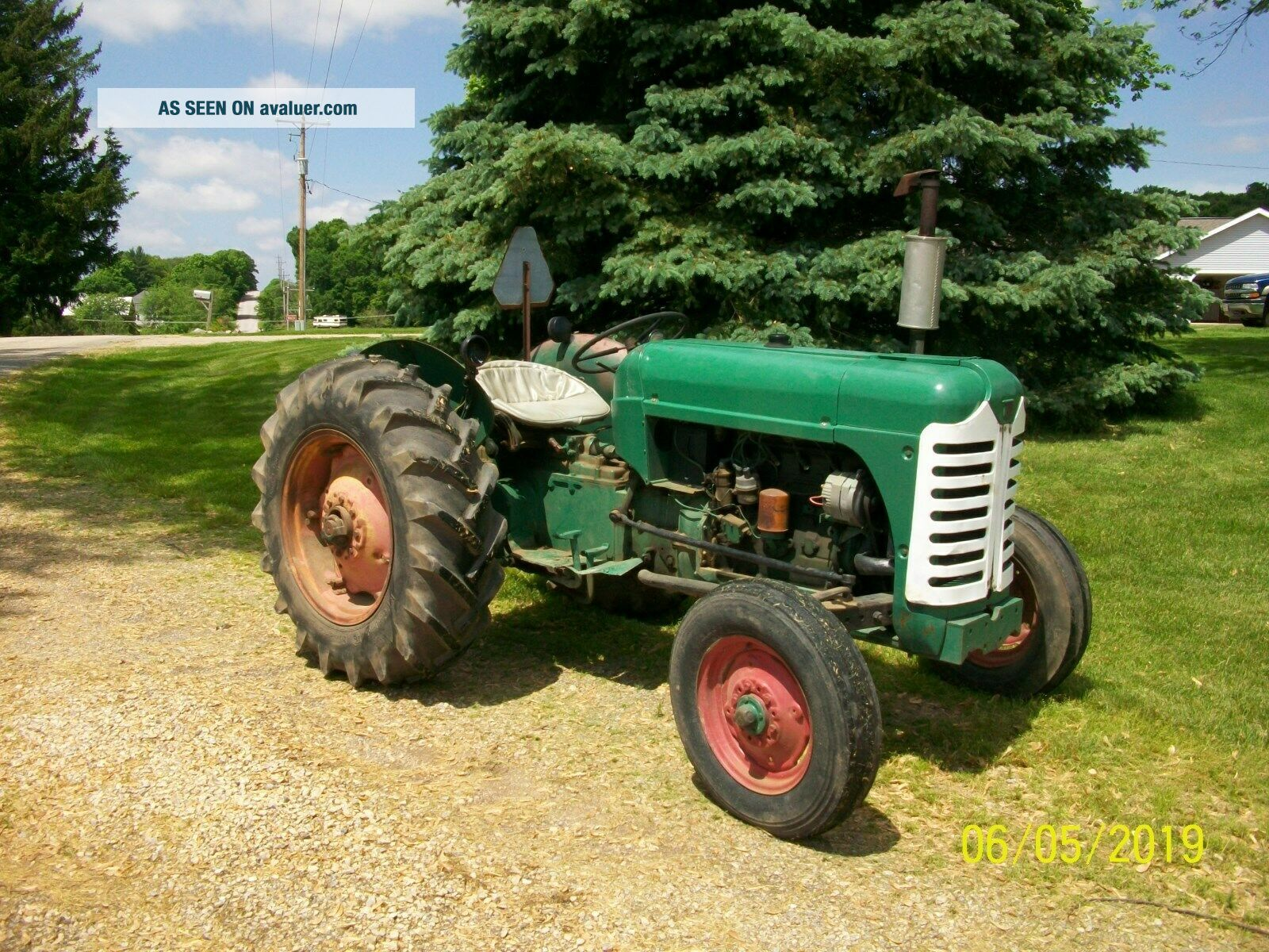 1957 Oliver 55 Antique Tractor farmall allis deere 44 66 77 88