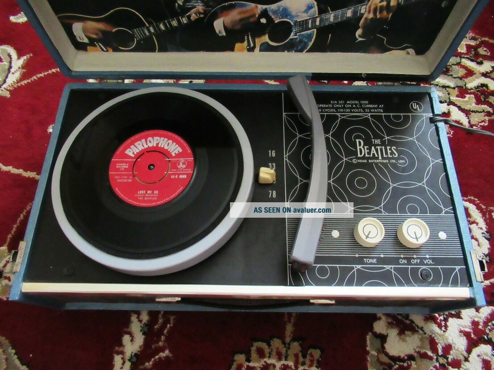 Beatles RARE 1964 BEATLES PHONOGRAPH RECORD PLAYER MODEL 1000 BEAUTY