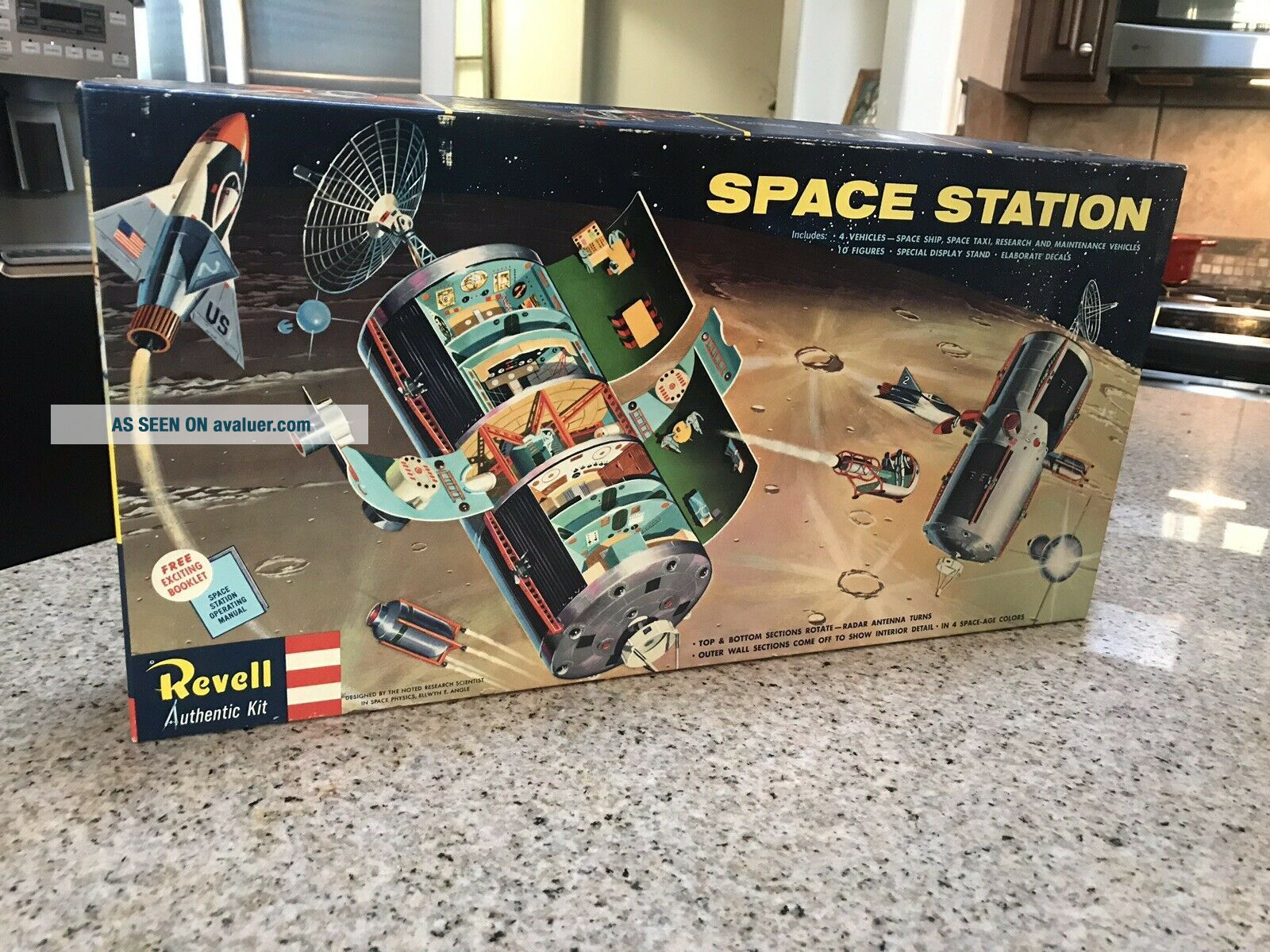 Revell Space Station H - 1805:498 RARE Believed To Be Complete