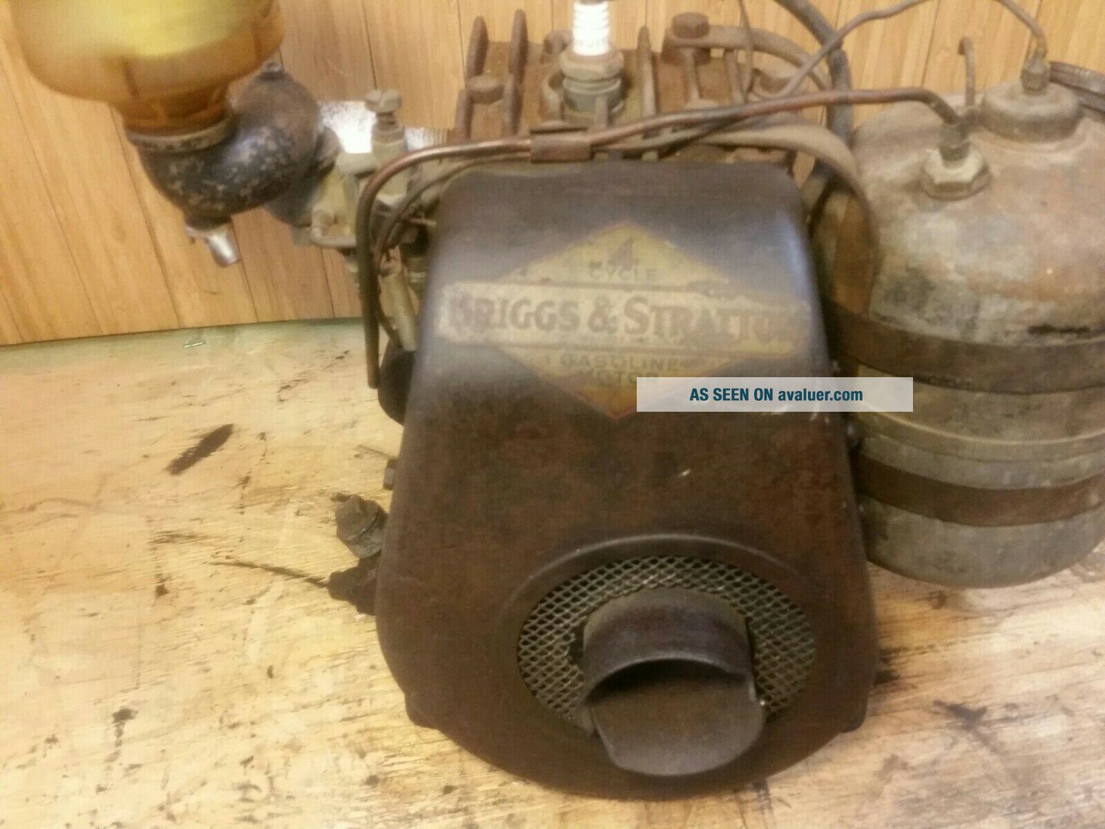 Antique Vintage Briggs & Stratton Model UR - 6 Engine Gas Motor Rare