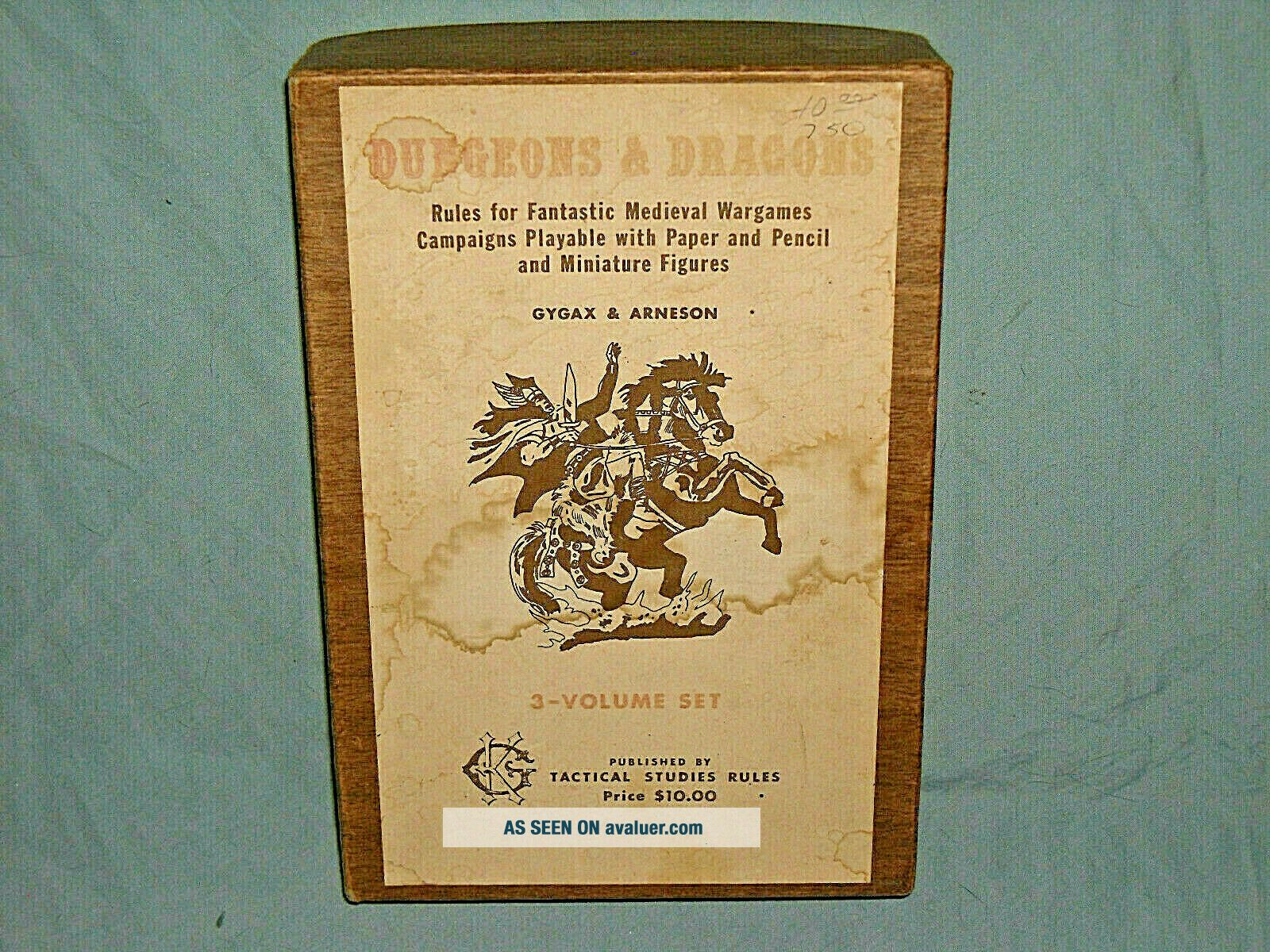 TSR ' s - DUNGEONS & DRAGONS WOODGRAIN BOXED SET FROM 1975 (ULTRA RARE)