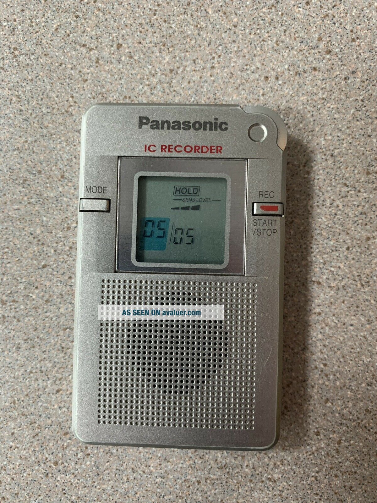 Rare Panasonic RR - DR60 (16 MB,  8 Hours) Handheld Digital Voice Recorder