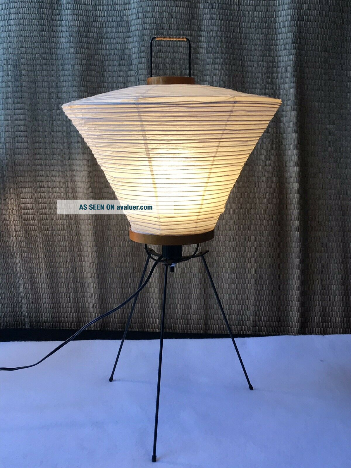 Vintage (60's) Isamu Noguchi AKARI 4a Table Lamp,  Complete.  FROM DEALER'S ESTATE